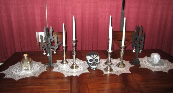 Halloween table setting 1
