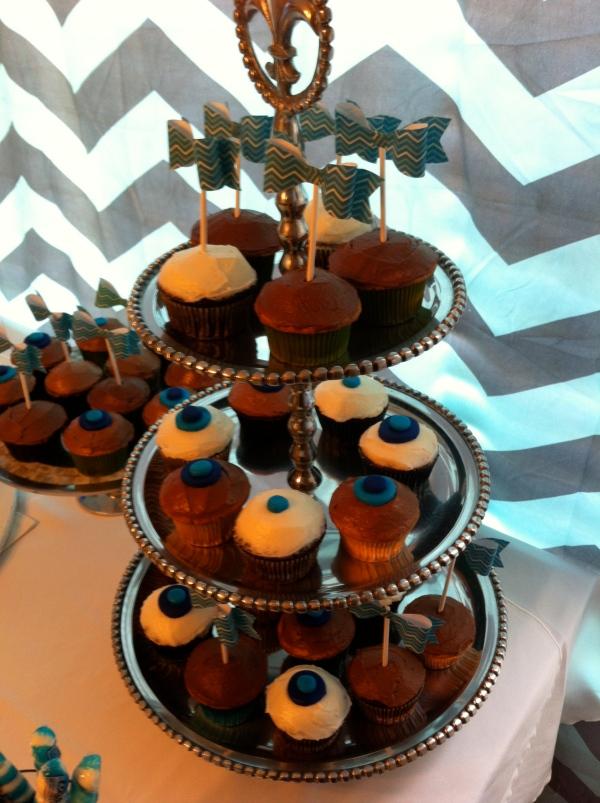 Bow Tie Cupcakes 1